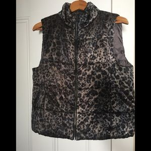 Kenneth Cole New York Womens Leopard Print Vest
